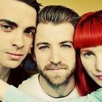 Asculta o noua piesa Paramore, Hello Cold World