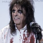 Alice Cooper a devenit gazda emisiunii Never Mind The Buzzcocks (video)