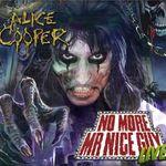 Alice Cooper lanseaza un album live