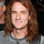 Basistul Megadeth vrea sa devina preot luteran