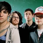 Fall Out Boy canta pentru copiii din Uganda