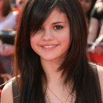 Selena Gomez este fana Judas Priest si Placebo