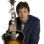 Paul McCartney implineste 67 de ani