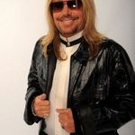VINCE NEIL are interdictie intr-un hotel din Las Vegas