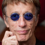 A decedat Robin Gibb, membru fondator Bee Gees
