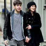 James Righton de la Klaxons s-a logodit cu Keira Knightley