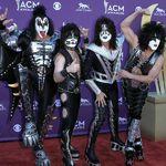 Kiss lanseaza o colectie de single-uri
