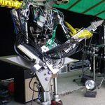 Trupa de roboti canta  Motorhead - Ace of Spades