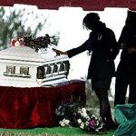 Top 10 piese numai bune pentru inmormantare