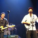 Tom Morello de la RATM canta in turneul lui Bruce Springsteen
