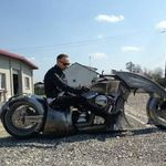 Nergal scoate motocicleta custom Behemoth la o plimbare (video)