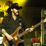 Lemmy a fost operat de urgenta si are un defibrilator implantat in piept