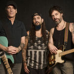 The Winery Dogs la Out Of The Box (interviu)