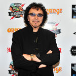 Tony Iommi (Black Sabbath) primeste diploma onorifica (video)