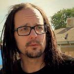 Solistul Korn compune muzica pentru film