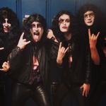 Imbraca-te la fel ca trupa Kiss iar liceul tau te va trimite acasa (foto)