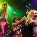 Steel Panther ofera spre streaming noul album, All You Can Eat