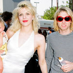 Cineva are curajul de a lansa un documentar in care Courtney Love l-a ucis pe Kurt Cobain
