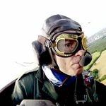 Bruce Dickinson va pilota un avion din primul razboi mondial