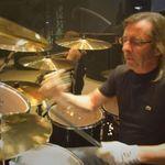 Noile clipuri AC/DC, fara bateristul Phil Rudd