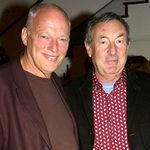 David Gilmour si Nick Mason discuta despre