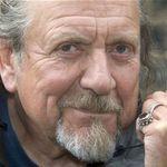 Robert Plant ii multumeste lui Phil Collins