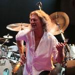 In timpul solourilor lui Ritchie Blackmore, Ian Gillan se ducea sa bea o bere