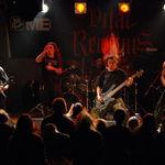 Ce se intampla cand o formatie de Death Metal canta intr-un bar cu patroni crestini? - video