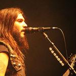 Nu ar trebui sa plece in turneu dar solistul Machine Head nu vrea sa auda de asa ceva