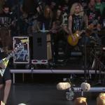 Alexi Laiho a urcat pe scena cu 100 de chitaristi! - video