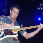 Basistul Rage Against The Machine isi cere scuze pentru influenta asupra Limp Bizkit