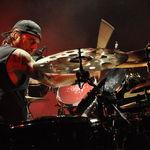 Dave Lombardo va canta cu Suicidal Tendencies