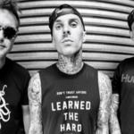 blink-182 au lansat o noua piesa intitulata 'Bored To Death'