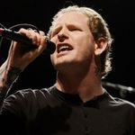 Corey Taylor de la Slipknot are interdictie la headbanging