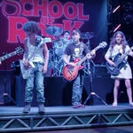 Slash le-a facut o surpriza copiilor de la School of Rock