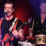 Eagles Of Death Metal nu au avut voie sa intre la Bataclan