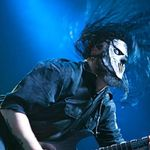 Chitaristul trupei Slipknot a fost operat la coloana