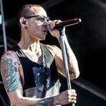 Chester Bennington explica de ce Linkin Park lanseaza un album pop