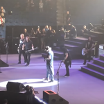 Dave Grohl a urcat pe scena alaturi de Guns n' Roses