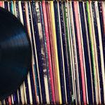 Vanzarile de albume fizice au depasit in 2017 vanzarile digitale