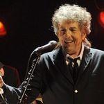 Bob Dylan a ajuns pentru intaia oara pe prima pozitie in topul US Billboard