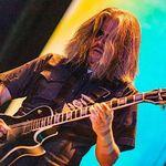 Adam Jones de la Tool a postat un tutorial de chitara pentru 'Pneuma'