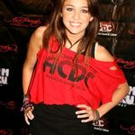 Chitaristul Oasis o prefera pe Lily Allen lui Miley Cyrus