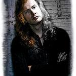 Dave Mustaine se reface dupa operatia suferita