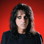 Alice Cooper intra in studio in 2010