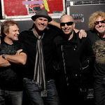 Urmariti noul videoclip ChickenFoot - Soap On A Rope