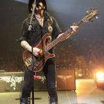 Filmari cu Lemmy (Motorhead) pe scena alaturi de Metallica