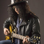 Slash (ex-Guns N Roses) isi vinde palaria