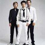 Muse au debutat pe primul loc in topurile internationale