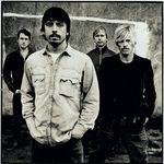 Urmariti noul videoclip Foo Fighters, Wheels !